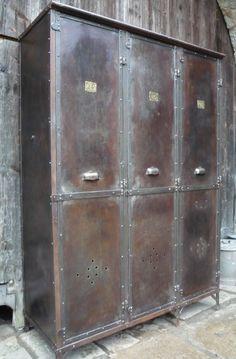 armoires de rangement et vestiaires - METTETAL INDUSTRY, DESIGN INDUSTRIEL DU 20eme SIECLE
