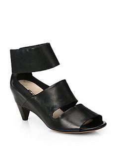 Elisanero Leather+Triple-Band+Sandals