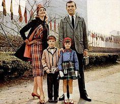 My Pretty Baby Cried She Was a Bird: Dan River Fabrics Families (1959-1960)