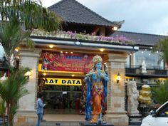 Bali Krisna Market: Check this place out!!! Great gifts...