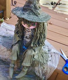 me ~ DIY Concrete Witch Ghoul - madebybarb - draped concrete spook witch Halloween Prop, Halloween Yard Art, Outdoor Halloween, Halloween Projects, Diy Halloween Decorations, Fall Halloween, Cement Art, Concrete Art, Concrete Crafts