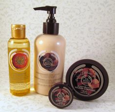 Today I have to share something with you that I know will excite anyone with a sweet tooth – the Body Shop Deluxe Chocomania Collection.  Just in time for Valentine's Day (who says chocolate has to be bad for you?), The Body Shop is reintroducing their decadent Chocomania collection with a new look.    http://linerglittergloss.com/2013/02/the-body-shop-deluxe-chocomania-collection/#