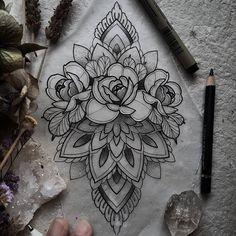 Contraste des pétales Neue Tattoos, Body Art Tattoos, Small Tattoos, Sleeve Tattoos, Mandala Flower Tattoos, Mandala Tattoo Design, Flower Tattoo Designs, Mandala Tattoo Neck, Tattoo Sketches