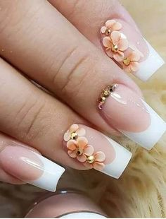 The advantage of the gel is that it allows you to enjoy your French manicure for a long time. There are four different ways to make a French manicure on gel nails. Diy Wedding Nails, Wedding Nails Design, Bridal Nails, Jamberry Wedding, Vintage Wedding Nails, Bling Wedding, Rhinestone Wedding, French Wedding, Elegant Wedding