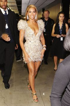 Pin for Later: Retour Sur les Tenues les Plus Folles des Grammy Awards Beyoncé en 2010