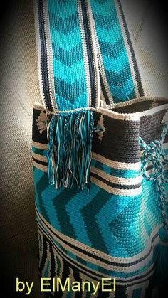Grande Bolsa de Mochila Bolso hecho punto Hecho a por ElManyEl Tapestry Bag, Tapestry Crochet, Knit Crochet, Crochet Basket Pattern, Old Quilts, Tote Backpack, Pottery Designs, Crochet Handbags, Leather Bags Handmade