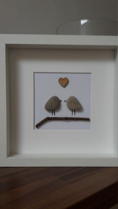 Love Birds love art wall art pebble art di CraftyHartDesigns - Wedding İdees in 2019 Homemade Gifts, Diy Gifts, Pierre Decorative, Pebble Pictures, Rock And Pebbles, Beach Art, Box Frames, Pebble Art, Stone Art