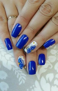 20 – 2019 – 2020 Blue and Light Blue most beautiful nail designs with different designs – 11 period blue and light blue nail designs. Natural beauty is a must for women. Therefore, you can look at the nail designs designed for you. Blue Acrylic Nails, Blue Nail Polish, Yellow Nails, Fingernail Designs, Blue Nail Designs, Beautiful Nail Designs, Finger Nail Art, Toe Nail Art, Minion Nails
