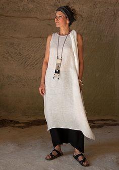 oatmeal linen gauze tunic and black mixed flax linen sarouel-skirt