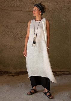 oatmeal linen gauze tunic and black mixed flax linen sarouel-skirt