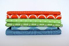 In Color Order: The Art of Choosing: Split-Complementary Color Schemes  red-orange, blue & green