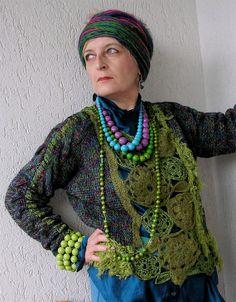 Mystisches Grün & die Farben des Pfauenrades in von MizzieMorawez