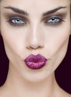 Make-up look - Purple lips