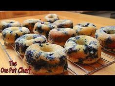 This recipe from One Pot Chef is for oven baked blueberry donuts and they are packed with blueberries in every bite. You won't believe how great they taste. Donut Recipes, Chef Recipes, Sweet Recipes, Cooking Recipes, Baked Blueberry Donuts, One Pot Chef, Fried Donuts, Baked Doughnuts, Dunkin Donuts
