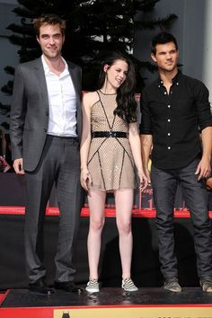 Twilight hand and footprint ceremony in LA 2011 at the Grauman's Chinese Theatre - The Fantastic 3; Robert Pattinson, Kristen Stewart and Taylor Lautner