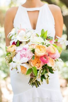 Beautiful blooms! Photography: Jen Lauren Grant From Birds Of A Feather Photography - birdsofafeatherphoto.com