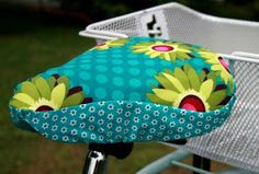 Sewing instructions for a bicycle saddle cover – Baby Utensils Ideas Bike Seat Cover, Saddle Cover, Fabric Crafts, Sewing Crafts, Sewing Projects, Love Sewing, Baby Sewing, Sewing Hacks, Sewing Tutorials