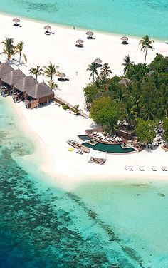 Constance Moofushi Resort in Maldives