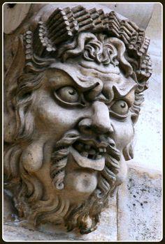 PONT NEUF de PARIS – ARR 01 – MASCARON -1 DES 385 MASCARONS DE CE PONT - LES ORIGINAUX ÉTAIENT SCULPTÉS PAR GERMAIN PILON (PARIS 1528 – 1590)