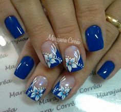 The advantage of the gel is that it allows you to enjoy your French manicure for a long time. There are four different ways to make a French manicure on gel nails. The choice depends on the experience of the nail stylist… Continue Reading → Pretty Nail Art, Beautiful Nail Art, Stylish Nails, Trendy Nails, Blue Nails, My Nails, Flower Nail Art, Toe Nail Designs, Fingernail Designs