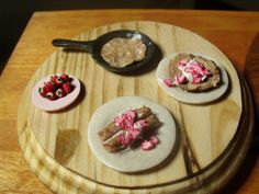 Thoughts and Projects...: Mini Food: Pancakes/Crapes with Strawberries (3)
