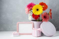 Cute arrangement on a white desk with co. Free Frames, White Desks, Vector Photo, Gerbera, Vintage Frames, Free Photos, Daisy, Flowers, Cute