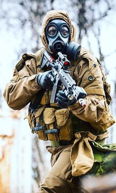 Norwegian CBRN recon specialist with HK416N MOD2012 and Aimpoint M4.