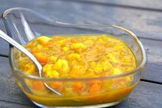 Piccalilly wordt gemaakt door een mengsel van groenten, bijvoorbeeld augurken, zilveruitjes en bloemkool in te leggen in zuur, vaak een mengsel van azijn en mosterd. Piccalilly is van oorsprong een Engelse saus, die bij bonen, stamppotten en op brood wordt gegeten.