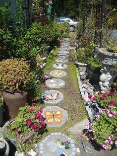 13 magnifiques allées de jardin DIY