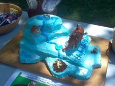 Cake Ideas: Easy to Make Ice Age Glacier Birthday Cake - Yahoo! Voices - voices.yahoo.com