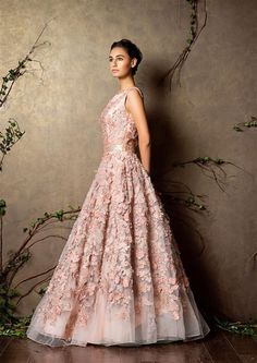 Lilacs, pale blues, blush pinks - this is the stuff Trousseau Dreams are made of. *sigh*