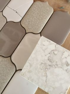 Silestone Quartz Lusso with Soci Alabaster picket tile – Top Trend – Decor – Life Style Outdoor Kitchen Countertops, Kitchen Countertop Materials, Kitchen Counters, Kitchen Cabinets, Kitchen Colour Schemes, Kitchen Colors, Kitchen Redo, New Kitchen, Kitchen Ideas