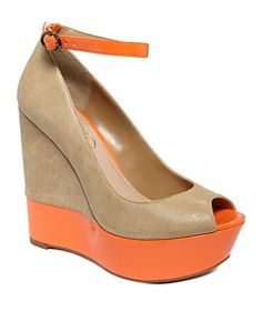 In love with these Jessica Simpson wedges!