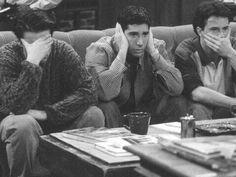 The guys at Central Perk on Friends---Matt LeBlanc (Joey), David Schwimmer (Ross), Matthew Perry (Chandler) Friends 1994, Tv: Friends, Serie Friends, Friends Cast, Friends Moments, Friends Tv Show, Friends Forever, Chandler Friends, Friends Season 3