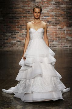 Vestido de novia de JLM Couture (FW 2014) #weddingdresses #NYBW