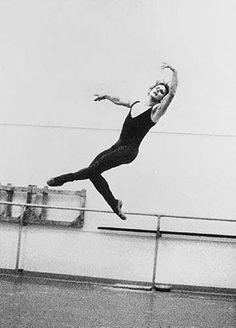 Mikhail Baryshnikov - The Jump
