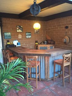 Reclaimed Pallet Wood Patio Bar