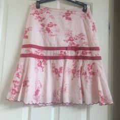 Short skirt with ruffle bottom floral Pink floral skirt Old Navy Skirts Asymmetrical