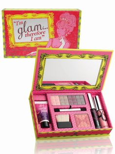 She'll love getting glam (without blowing the holiday shopping budget) with this great cosmetic set. Benefit's Glam kit features seven of the brand's greatest hits ($36). #giftsforteens