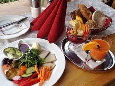 Schlosscafè Mattsee in Salzburg; Vegan breakfast with antipasti, avocado spread with tofu and lemon, raw vegetables, homemade jam, soy yogurt with fruit, freshly squeezed orange juice Vegan Food, Vegan Recipes, Avocado Creme, Avocado Spread, Freshly Squeezed Orange Juice, Raw Vegetables, Salzburg, Vegan Breakfast, Tofu