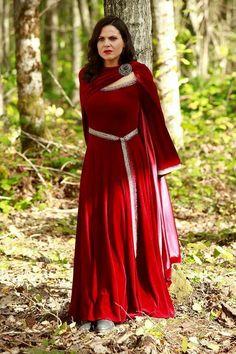Lana as Regina Mills / once upon a time Captain Swan, Captain Hook, Once Upon A Time, Queen Outfit, Evil Queens, Regina Mills, Movie Costumes, Dance Costumes, Film Serie