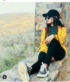 stylish hidden faces dpz for fb - Sari Info Stylish Photo Pose, Stylish Girls Photos, Stylish Girl Pic, Best Photo Poses, Girl Photo Poses, Girl Photos, Model Poses Photography, Beautiful Girl Photo, Cute Girl Photo