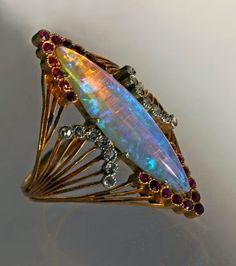 Henri Sandoz -- opale, rubis et rose diamant, donnée comme datant de 1900