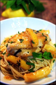 Poulet au citron Autumn Winter Recipes, Winter Food, Salty Foods, Casserole Dishes, Chicken Recipes, Spaghetti, Clean Eating, Easy Meals, Meat