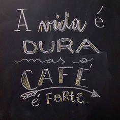 Keep calm and drink cofee Chalk Lettering, I Love Coffee, My Coffee, Café Retro, Double Sens, Love Cafe, Cafe Menu, Lettering Tutorial, Coffee Cafe