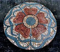 Amazing mosaic made from pebbles... http://maggyhowarth.co.uk/index.html