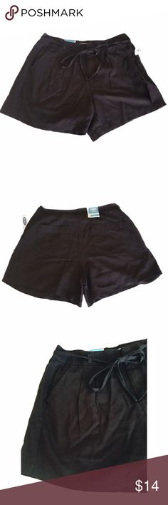 Size 4 high-waisted shorts Old Navy linen Linen blend size 4 high-waisted shorts, NWT. Pleats in front, side pockets, and tie at the waist. These are a very dark army green almost black color. Old Navy, older style. Old Navy Shorts