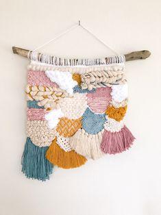 29 Ideas baby room yellow blue wall art for Weaving Textiles, Weaving Art, Tapestry Weaving, Loom Weaving, Hand Weaving, Weaving Wall Hanging, Wall Hangings, Weaving Projects, Tear