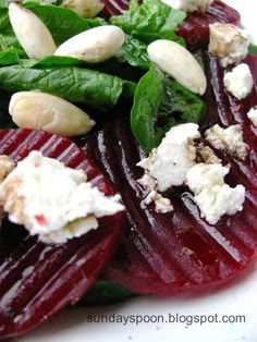Caramelized beetroot and spinach salad / Σαλάτα με καραμελωμένα παντζάρια και σπανάκι