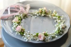 A delicate wreath in white and pink. You are in the right place abo Neutral Wedding Flowers, Flower Crown Wedding, Bridal Flowers, Wedding White, Summer Wedding, Flower Girl Hairstyles, Loose Hairstyles, Girl Hair Dos, Flower Girl Gown